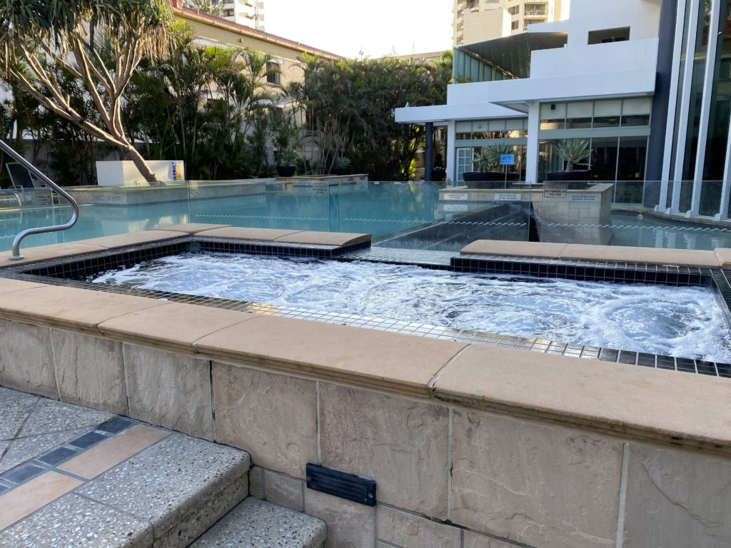 マントラ・レジェンズ・ホテルのプール